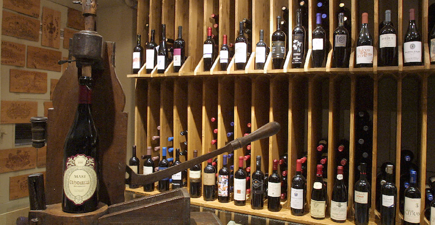 Segnes Weinbar